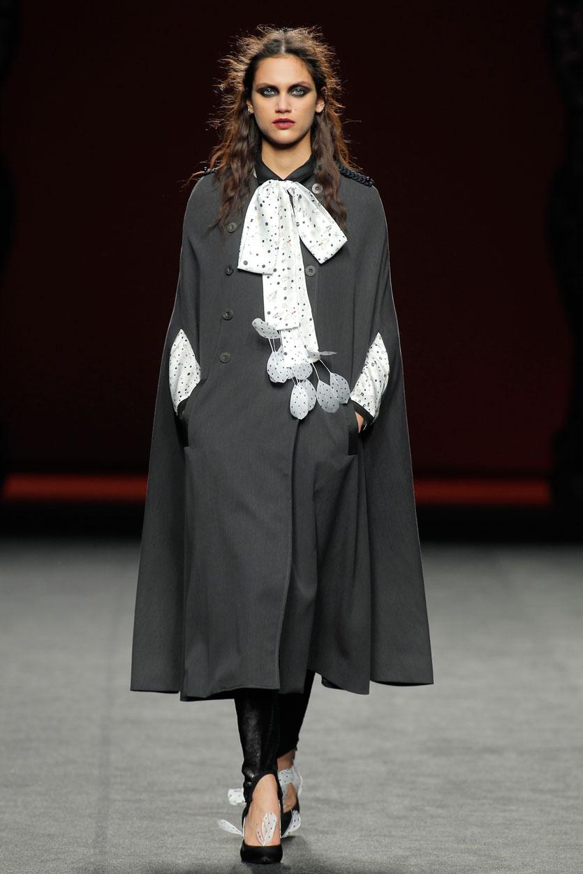 abrigo-ion-fiz-pasarela-española