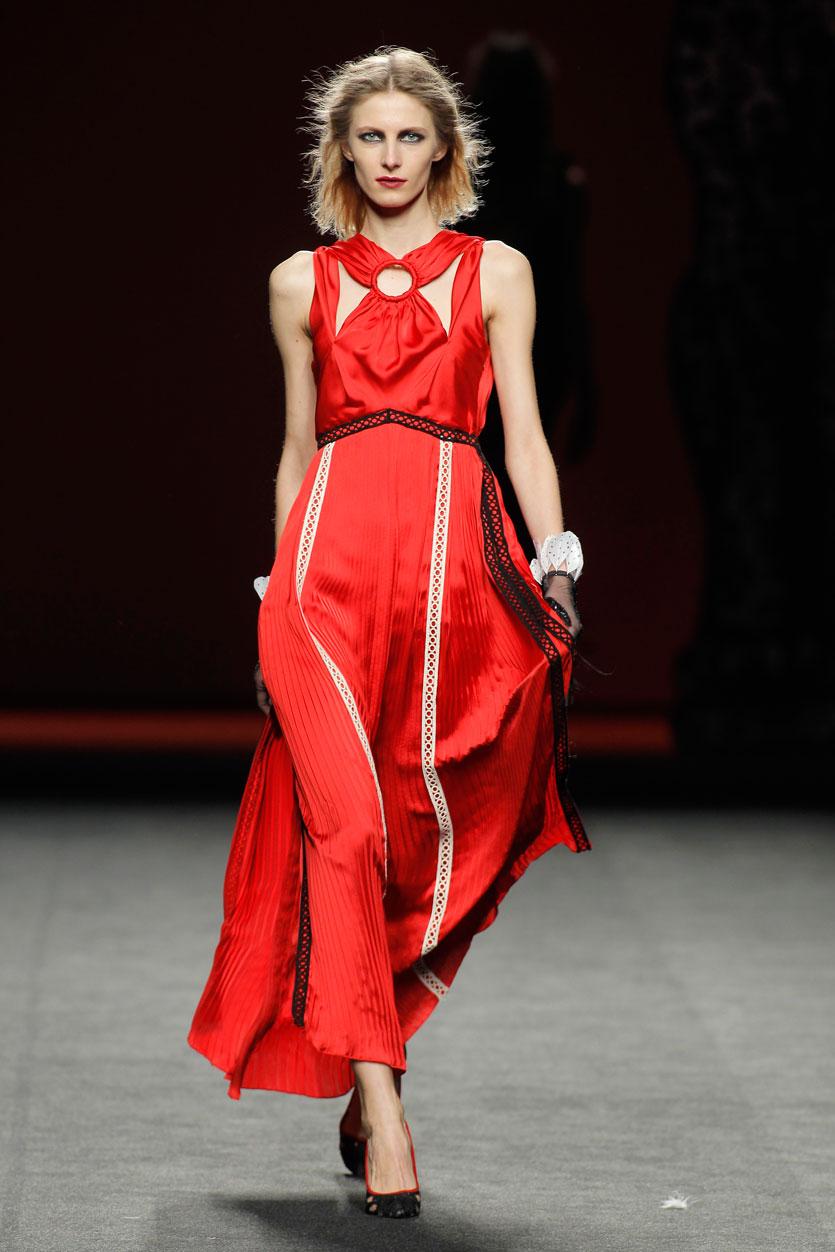 vestido-ion-fiz-pasarela-española