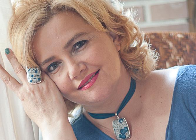 Entrevistamos a la diseñadora Raquel Lobelos